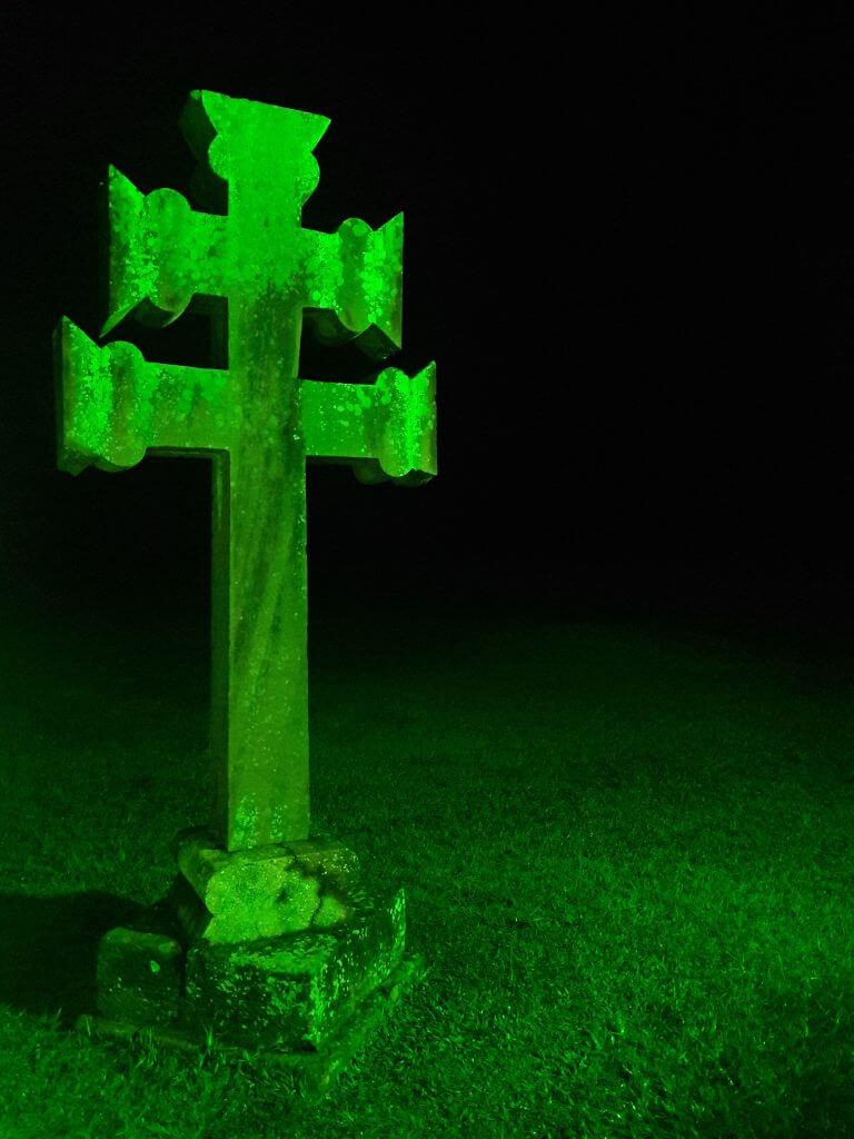 A Cruz Missioneira a noite