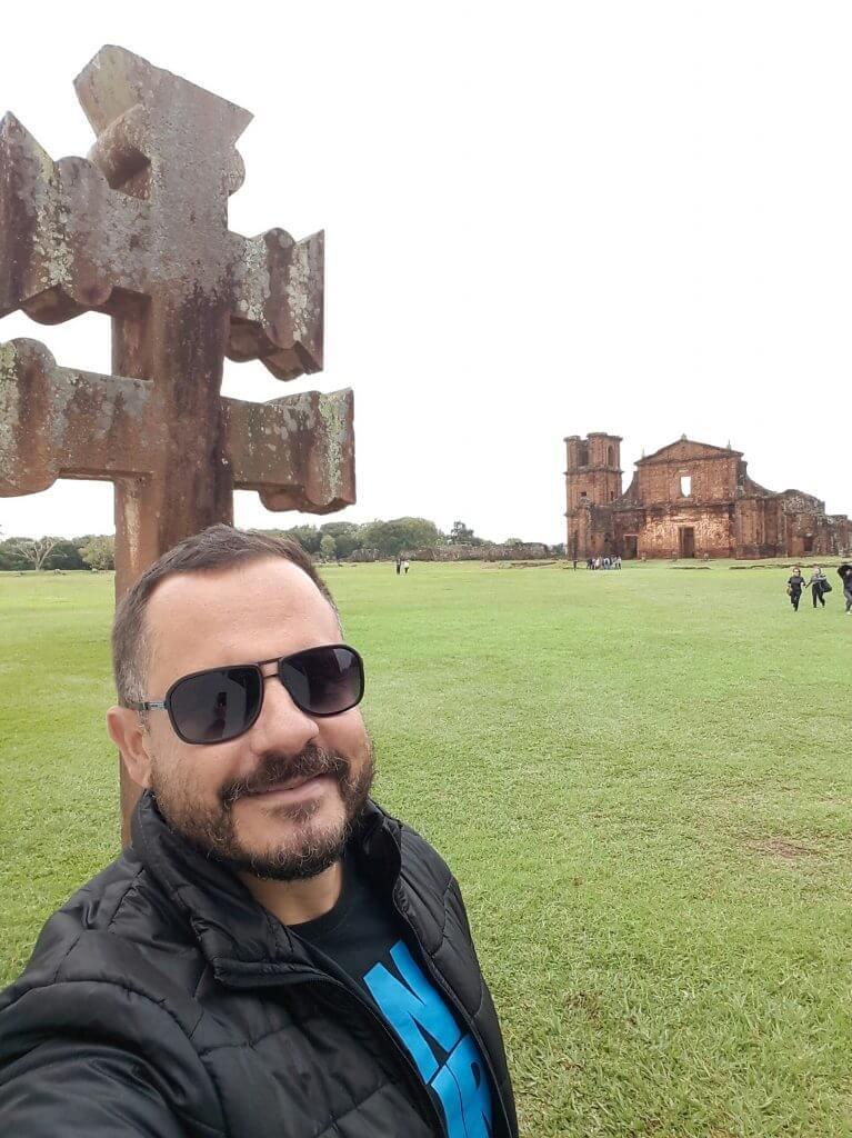 A Cruz Missioneira e as Ruínas de São Miguel Arcanjo na Região das Missões
