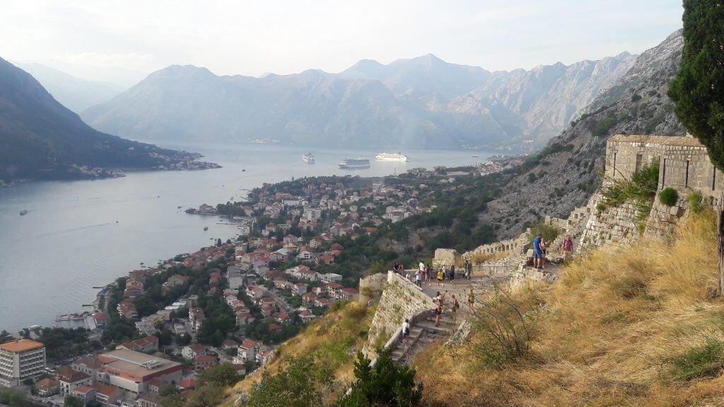 As ruínas da Fortaleza de Kotor