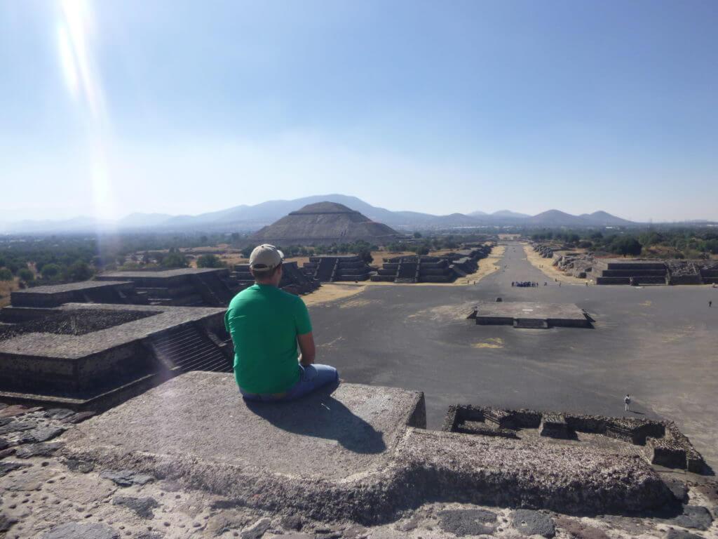 Pensando na vida na Pirâmide da Lua. Pirâmides do México