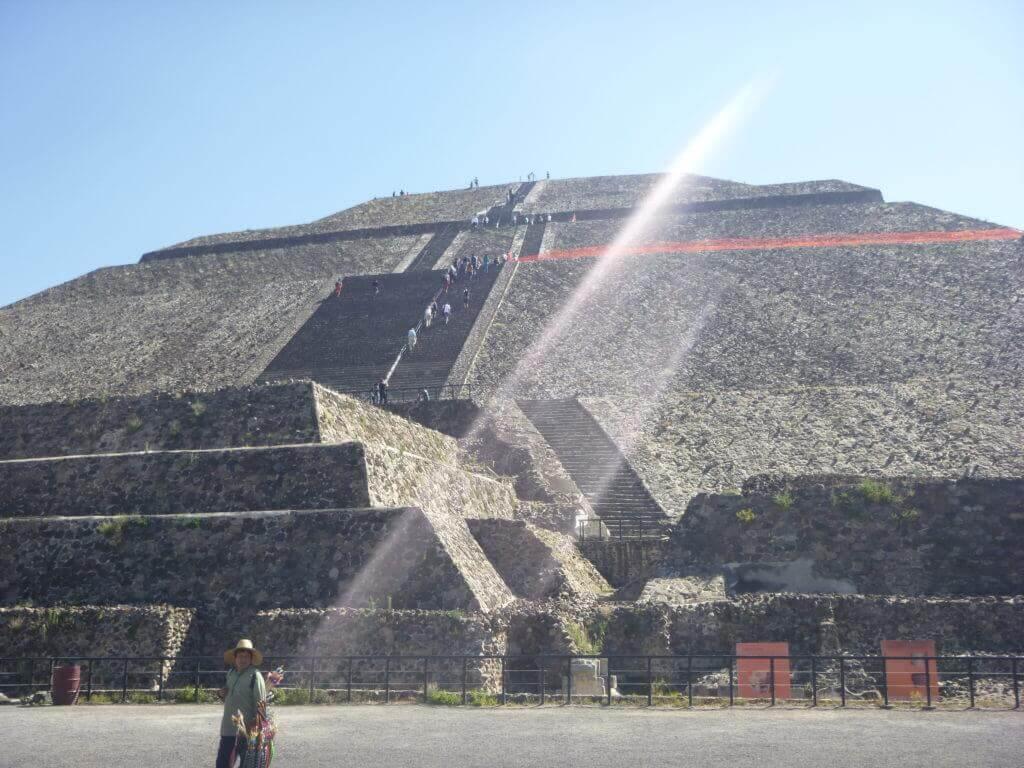 A Pirâmide do Sol