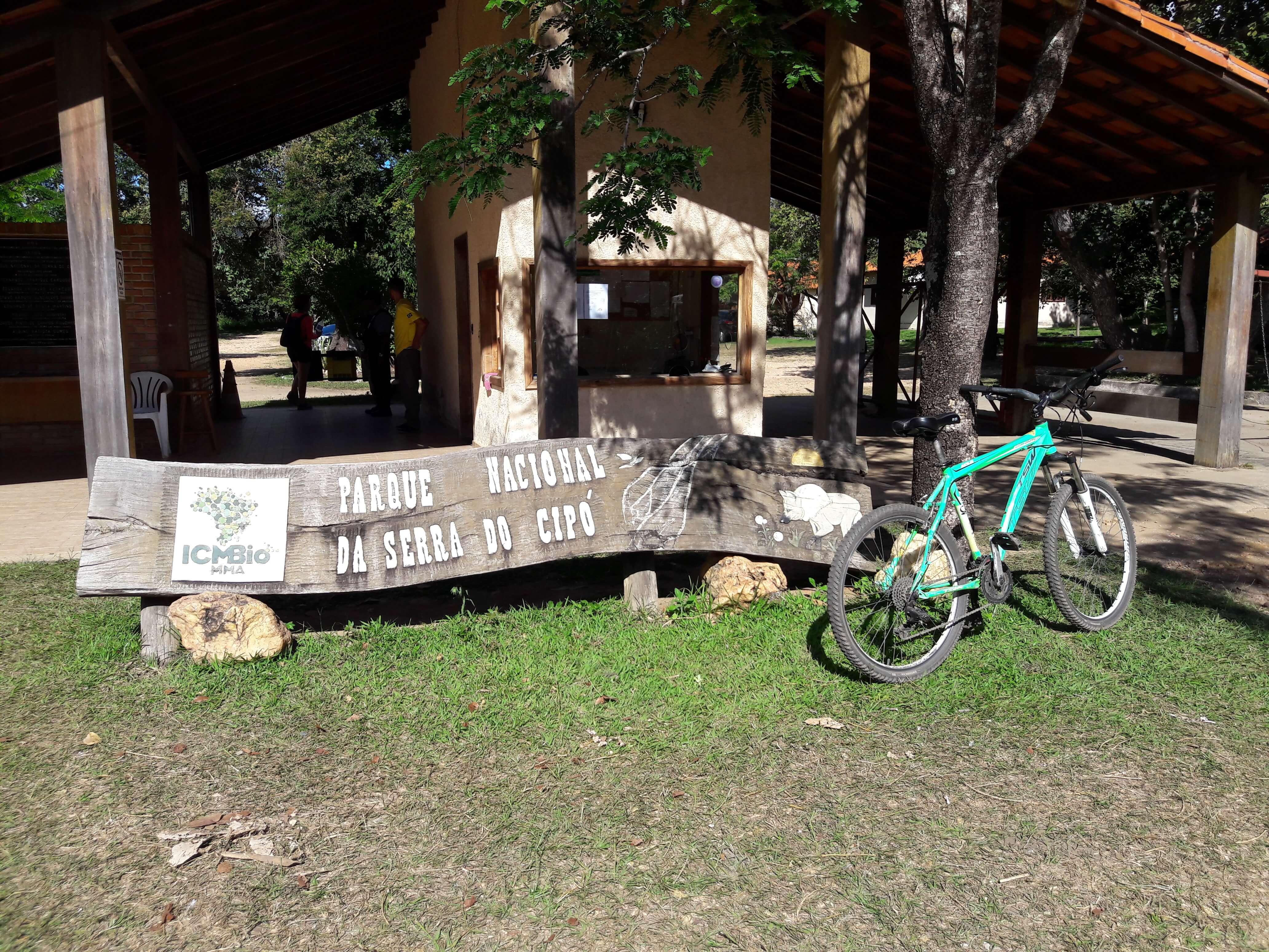 A entrada da Portaria Areias na Serra do Cipó e o dia dos 40Km de bike