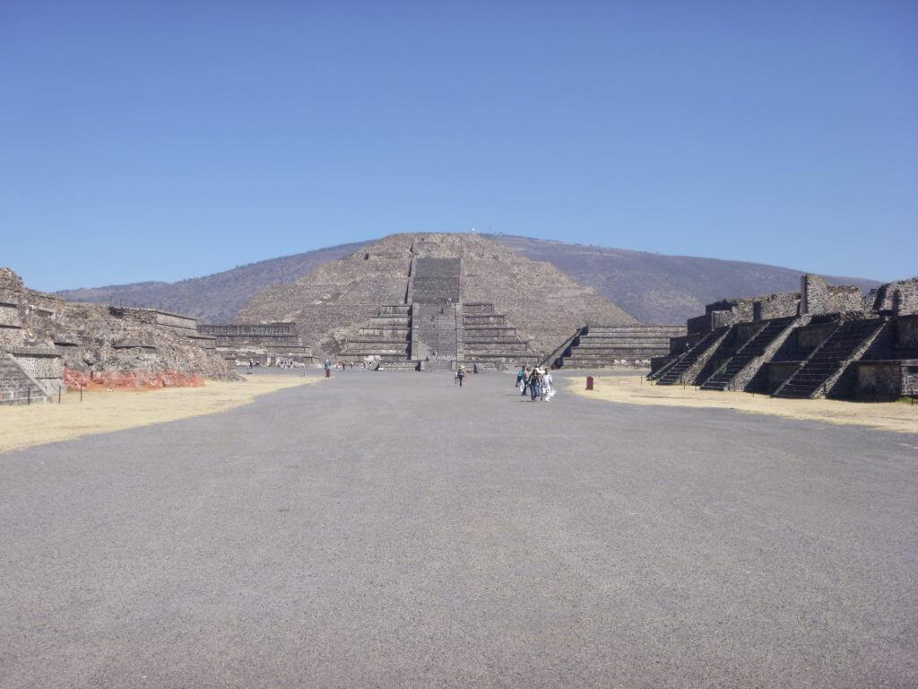 A Pirâmide da Lua