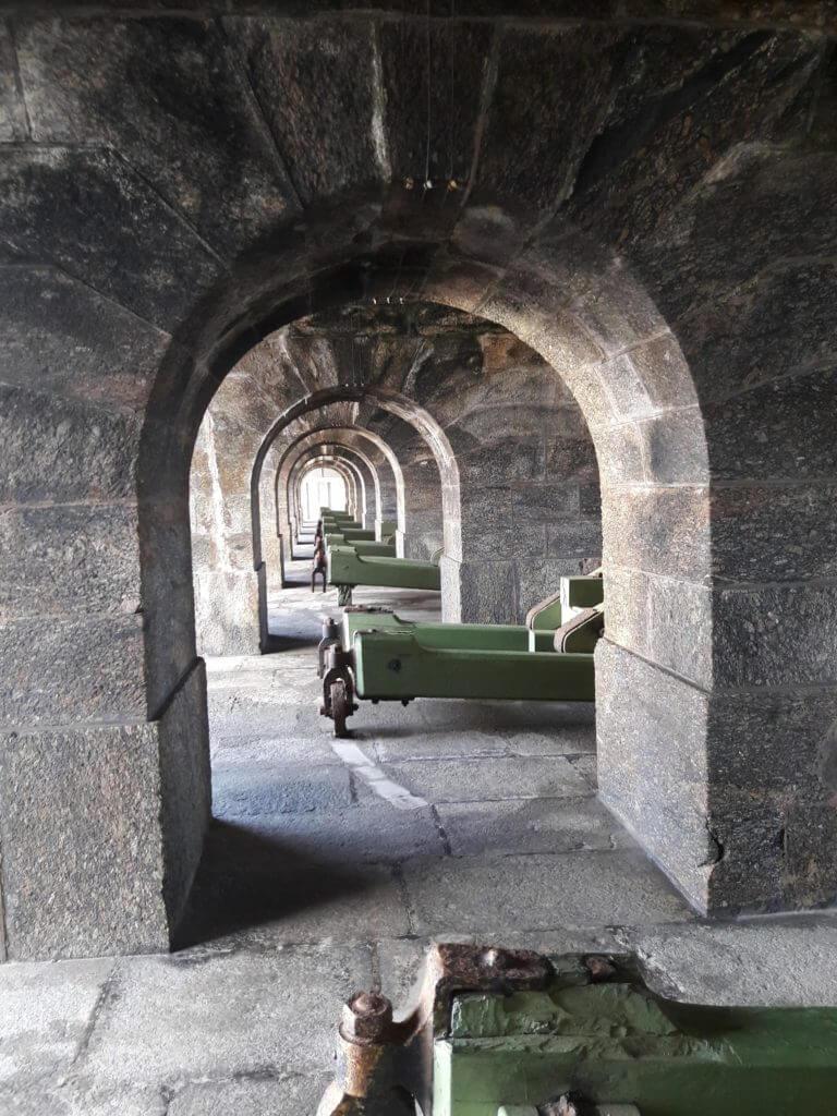 A bateria de canhões na Fortaleza Santa Cruz