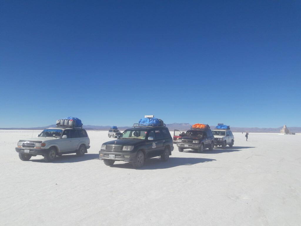 O deserto de sal no Salar de Uyuni na Bolívia