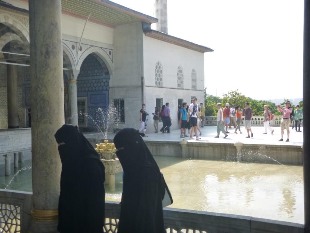 A burca faz parte dos costumes muçulmanos
