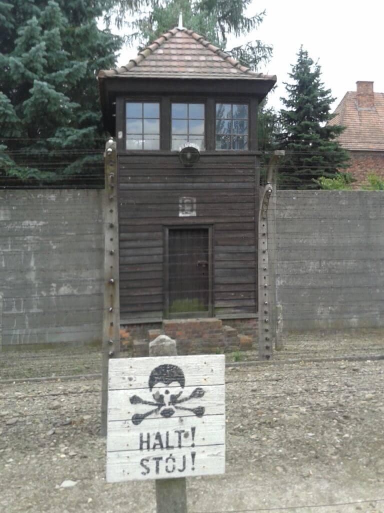 As barreiras intransponíveis em Auschwitz