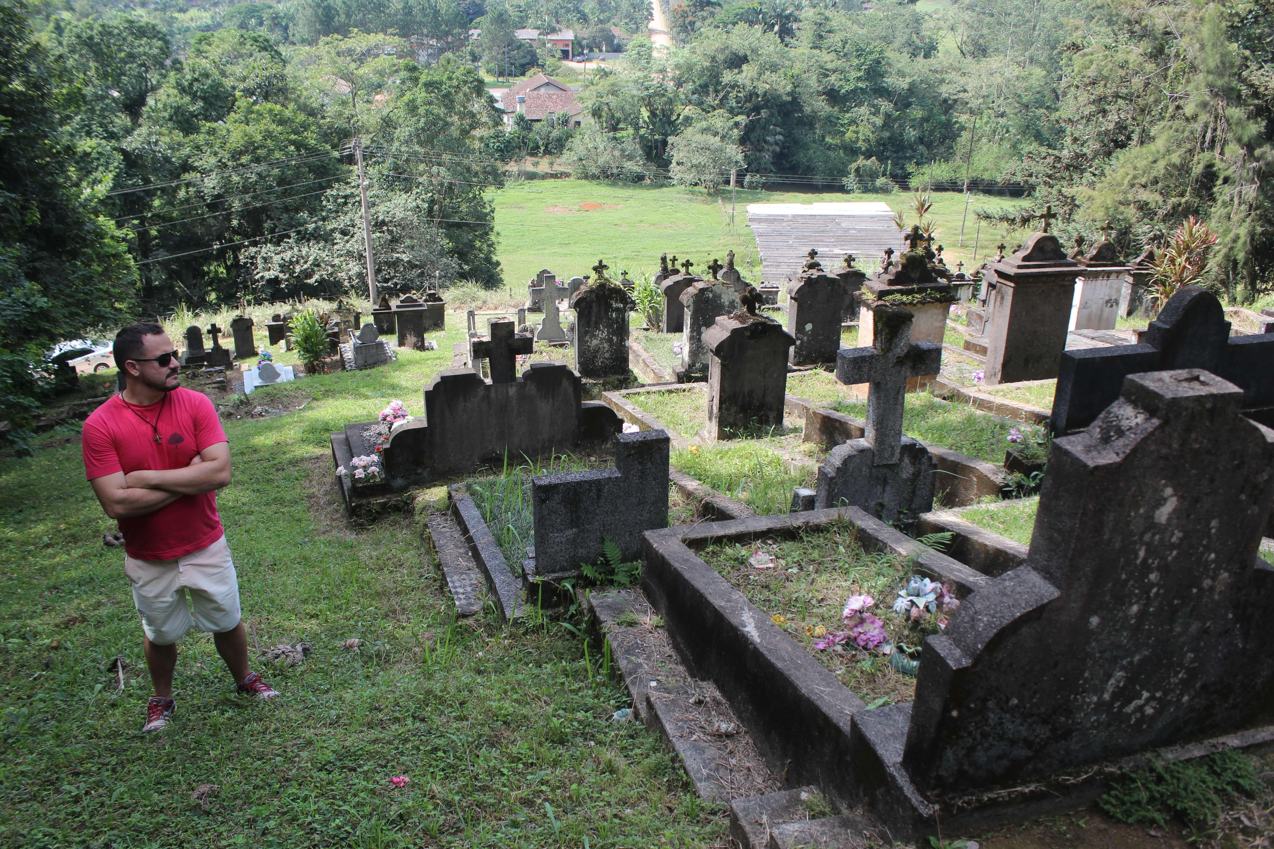 O antigo Cemitério dos Luteranos onde todas as lápides têm inscrições em alemão