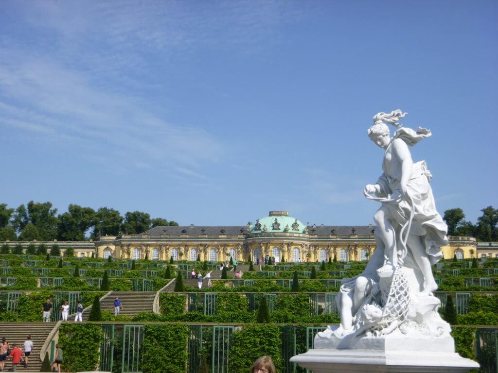 Das dicas de Berlim, conhecer Potsdam e seus lindos palácios.
