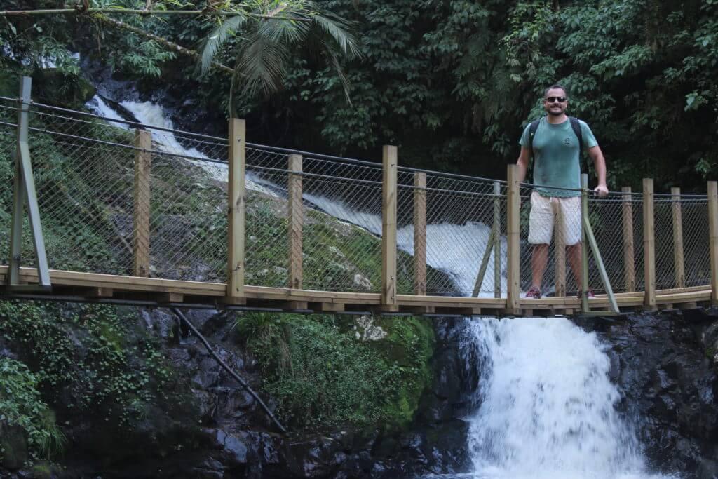 Em muitas partes da trilha existem estas pontes suspensas