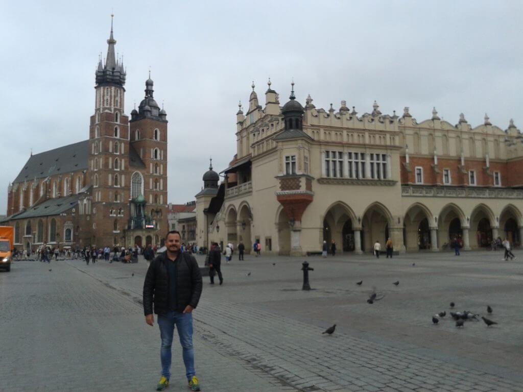 Quer ir para a Europa e economizar. A moeda da Polônia vale quase a mesma coisa que o real.