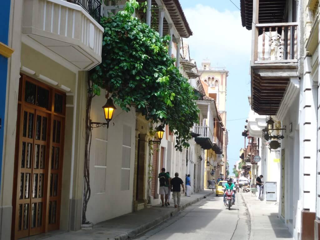 Cartagena é linda, mas fiquei num albergue tão ruim que só voltava pra lá quando tinha que dormir mesmo