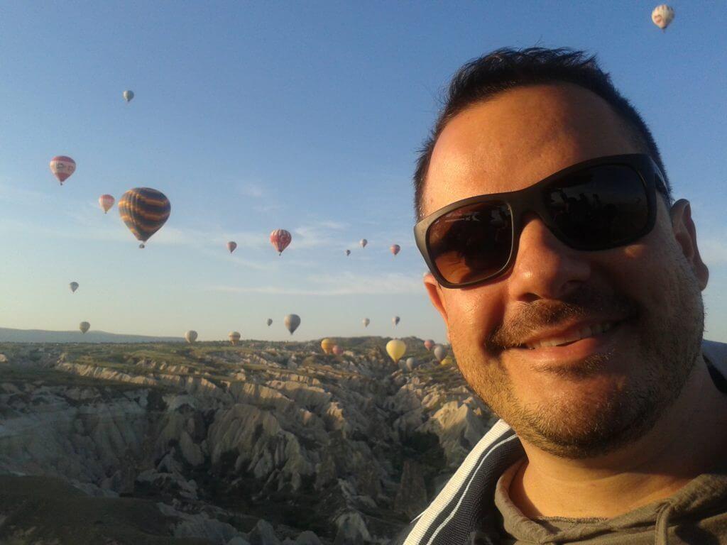 """Voar de balão na Capadócia era um sonho antigo, além de ser caro uma viagem à Turquia ainda teria o """"investimento"""" na viagem de balão, que também não é barato, mas com planejamento consegui. Sonhos existem para serem realizados"""