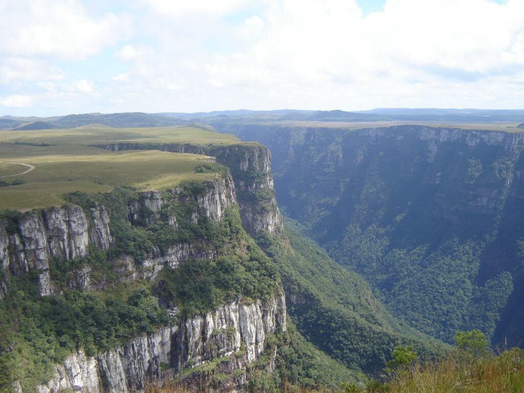Toda a grandiosidade do Cânion Fortaleza na Região dos Cânions no Rio Grande do Sul
