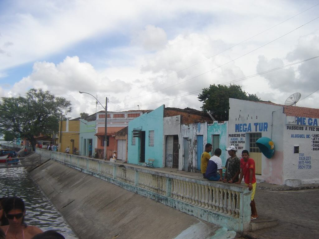 A cidade de Piaçabuçu é ponto de partida para os passeios até à Foz do Rio São Francisco