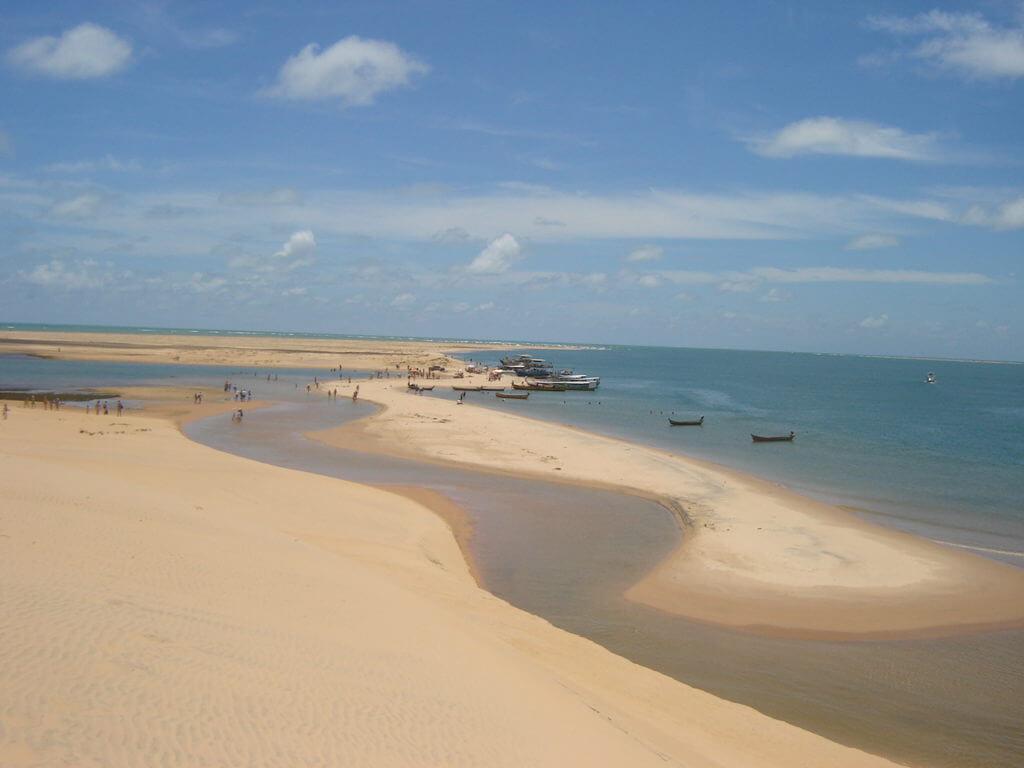 Dunas e lagoas serão o cenário deste dia de viagem à Foz do Rio São Francisco