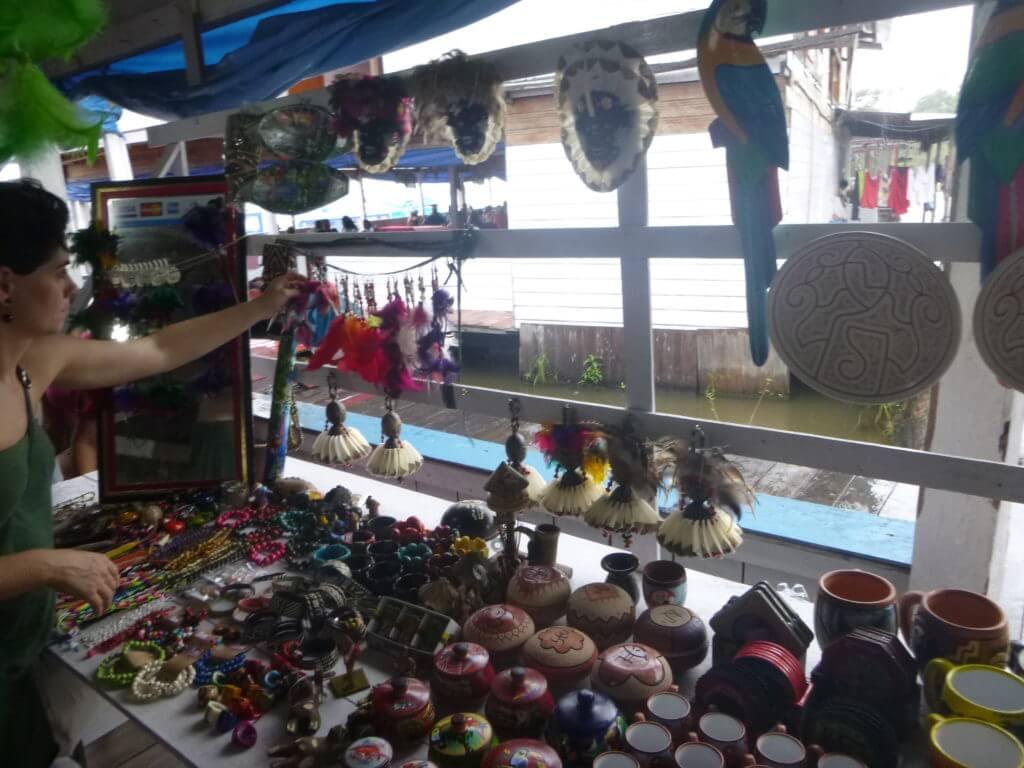 A loja de artesanatos no Parque Janauary