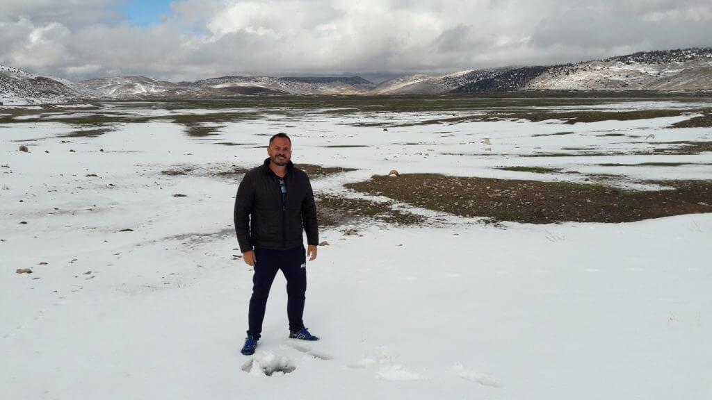 O dia em que acordei no deserto e depois vi a neve