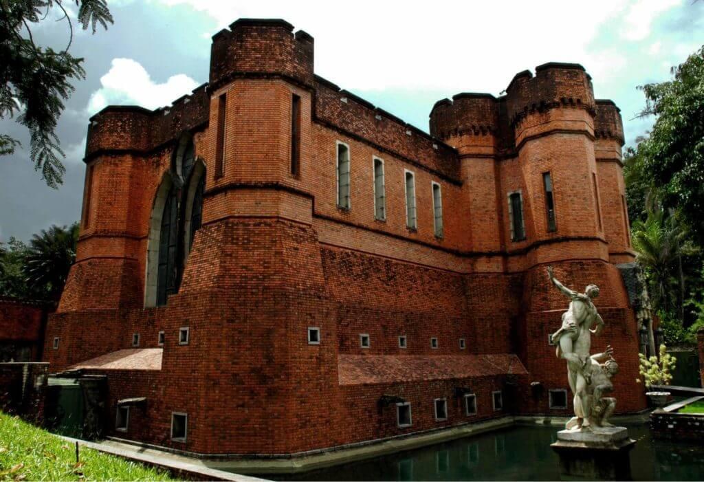O Castelo de São João no Instituto Ricardo Brennand. Um castelo em Recife