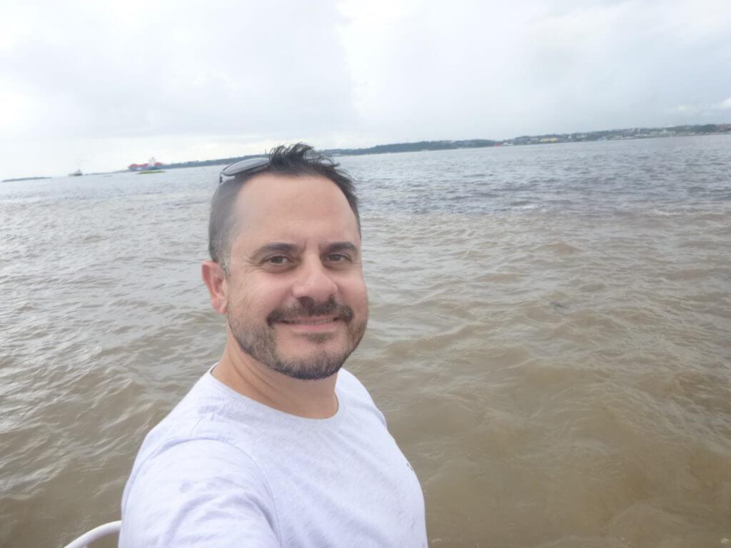Pela foto não é possível mostrar toda a beleza do Encontro das Águas