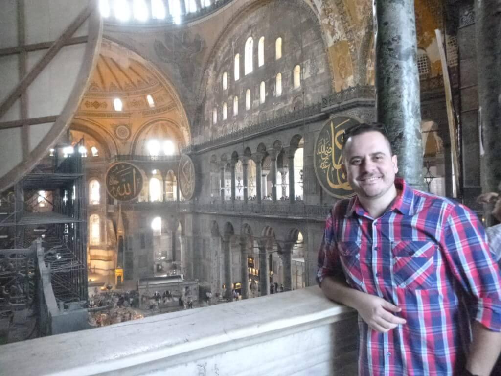 O magnifico interior da Hagia Sophia