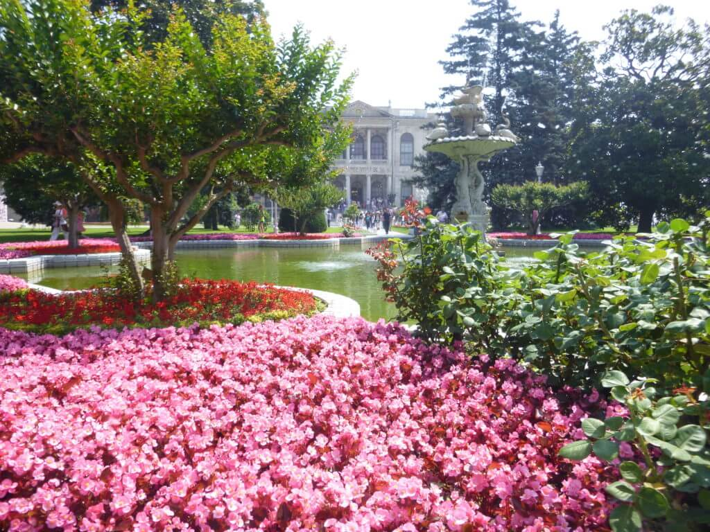 O colorido dos jardins do Palácio