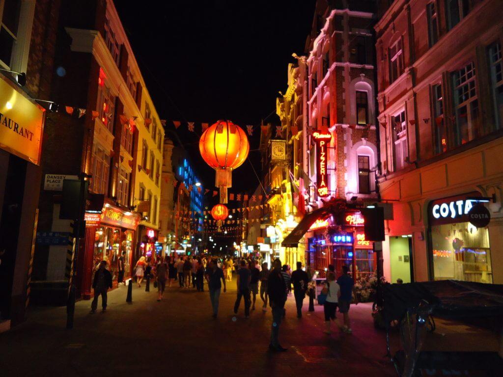 Londres é a cidade da diversidade cultural. Veja as dicas abaixo sobre como montar um roteiro de viagem