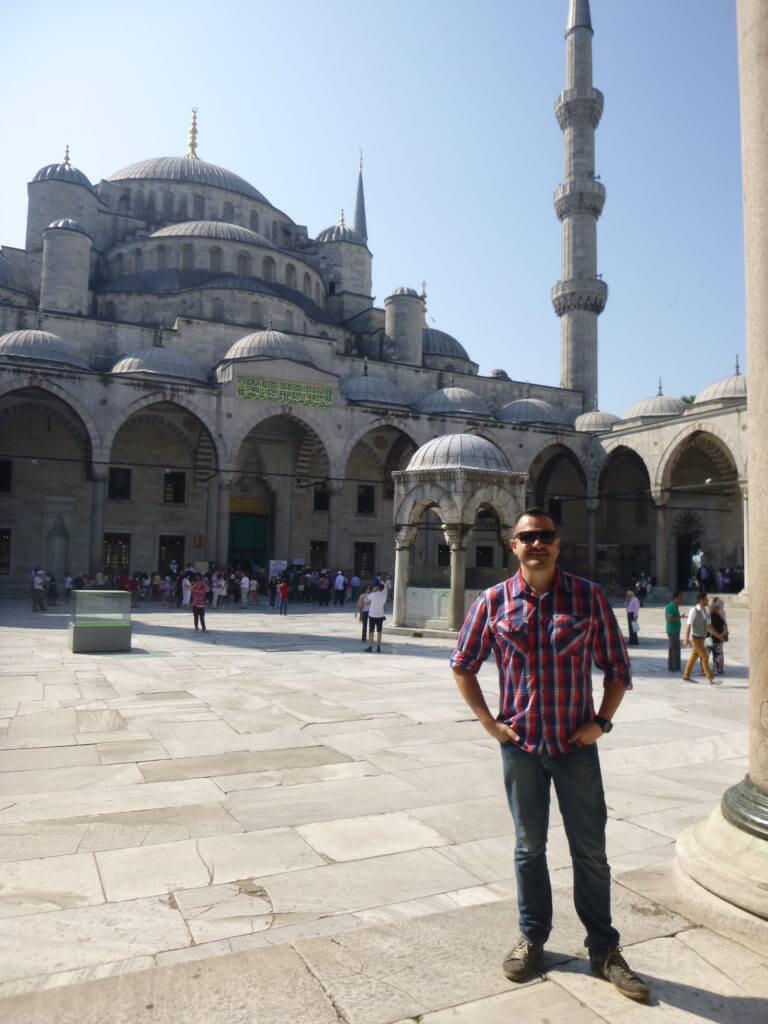 Eu passando o maior calor de calça jeans na Mesquita Azul