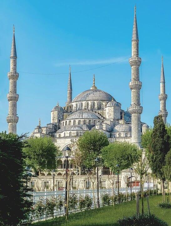 A Mesquita Azul impressiona com sua grandiosidade