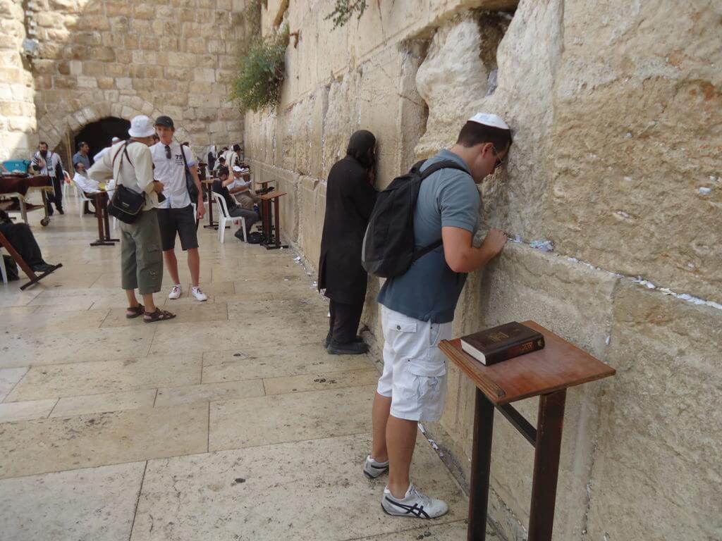 Visitar os lugares sagrados em Jerusalém não é fácil