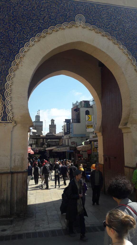 Um dos belos portões de acesso à medina