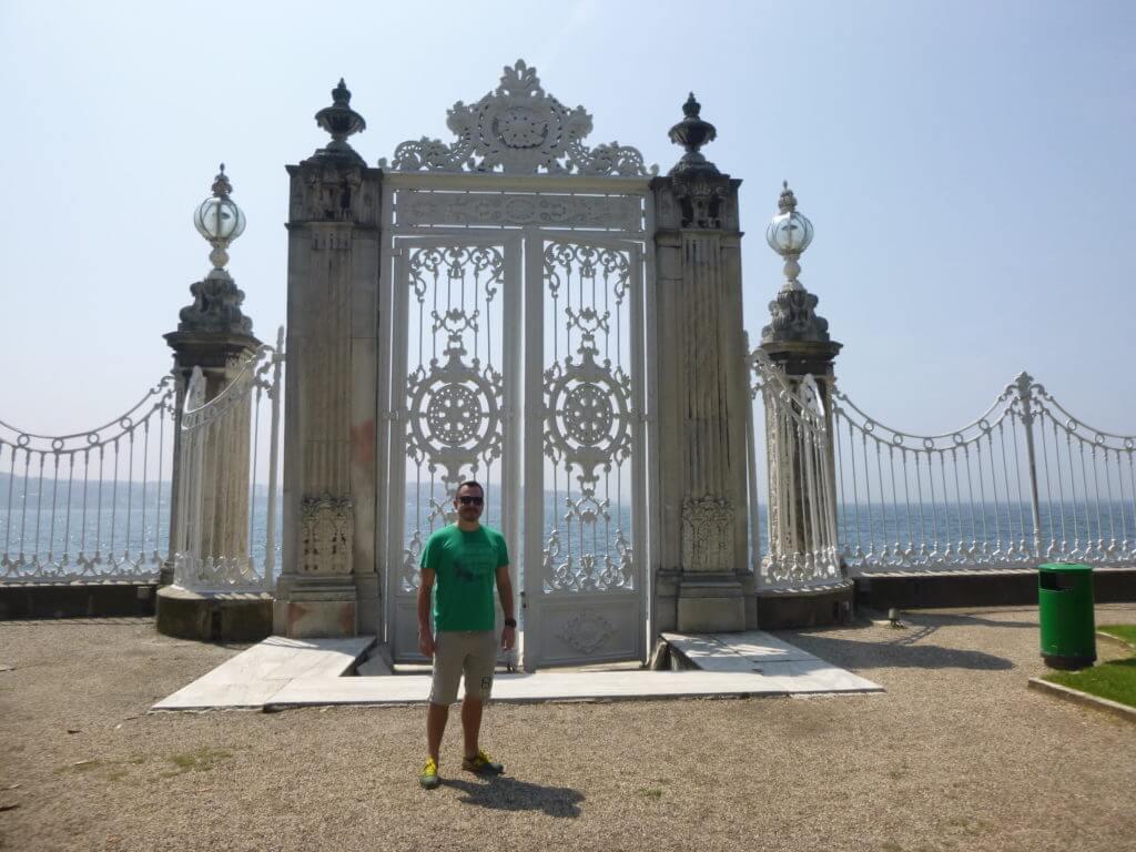 Os enormes portões para o Bósforo