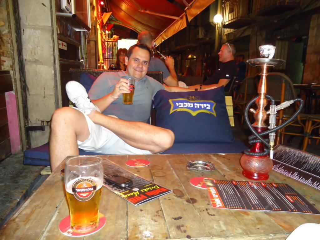 Os barzinhos nos arredores da Rua Rivlin eram uma opção legal para noite. Se ficar na parte árabe não tem nada pra fazer
