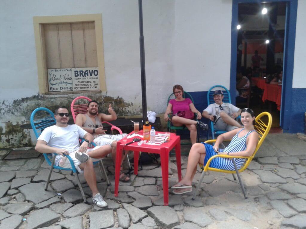 O bom mesmo é caminhar despretensiosamente e relaxar na pequena Cidade de Goiás