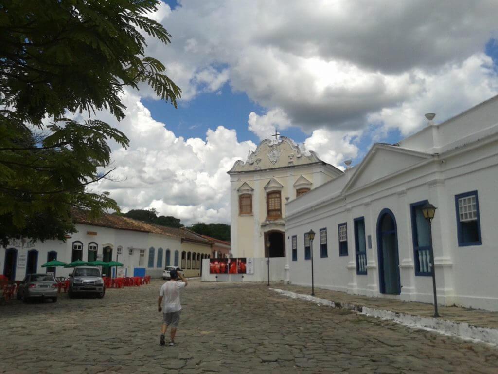 O Palácio Conde dos Arcos e a Igreja da Boa Morte