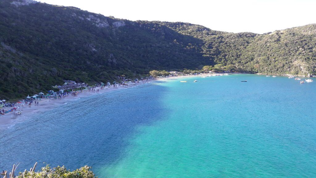 Visual da Praia do Forno durante a trilha