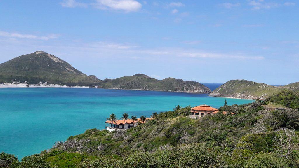 Todos os tons de azul Passeio de barco em Arraial do Cabo RJ