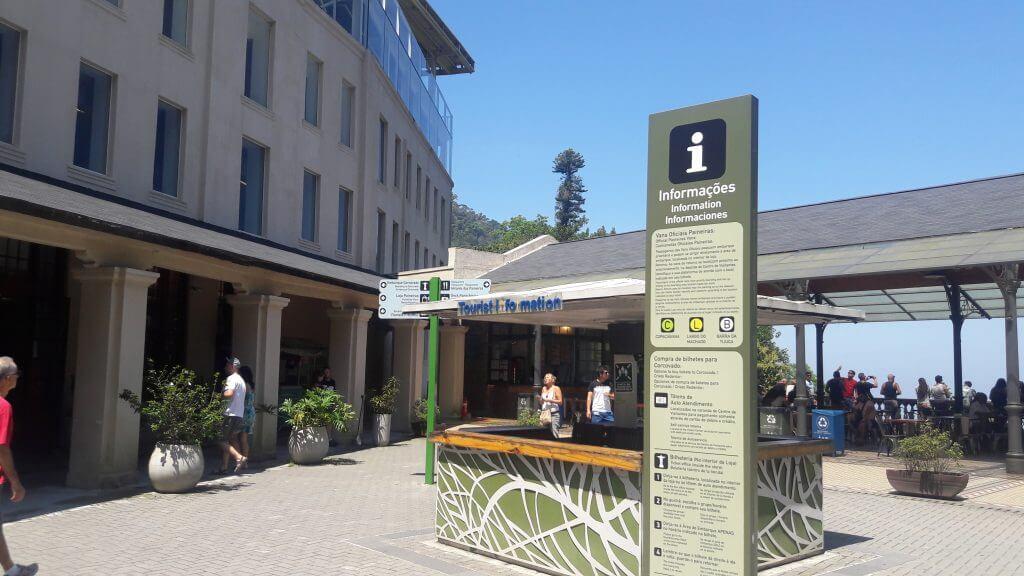 O Centro de Visitantes é o ponto comum independente da forma que escolheu como ir para o Cristo Redentor de metrô