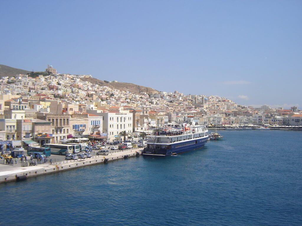 A vantagem de ir de ferry são paisagens como estas