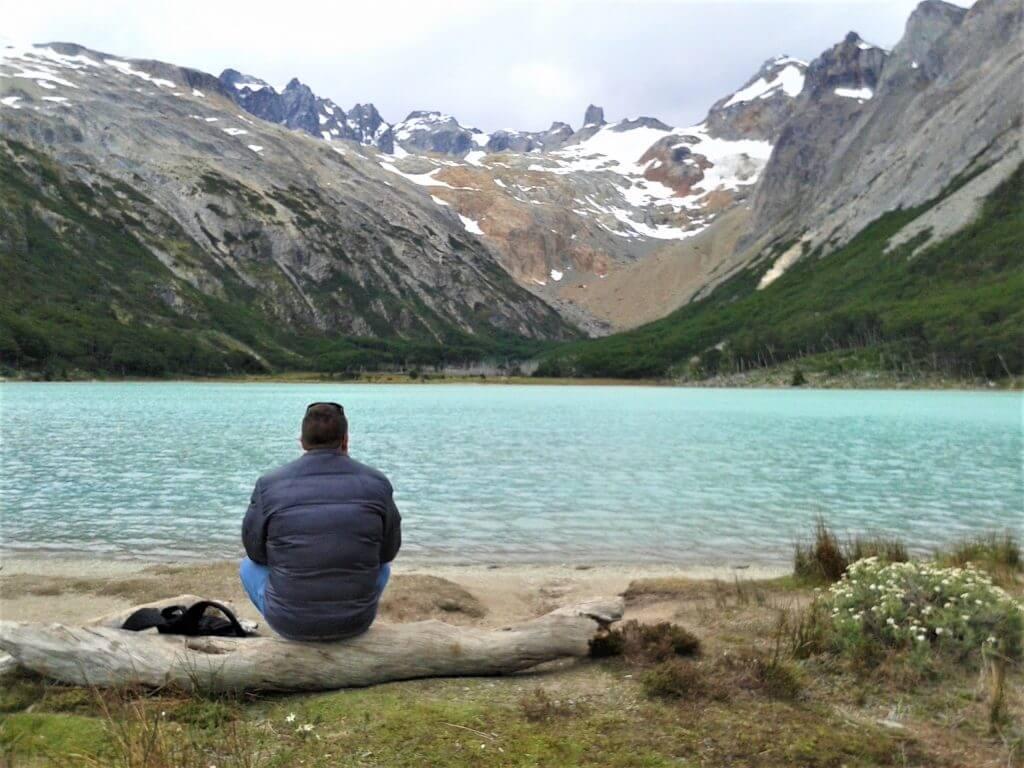 A tranquilidade na Laguna Esmeralda em Ushuaia