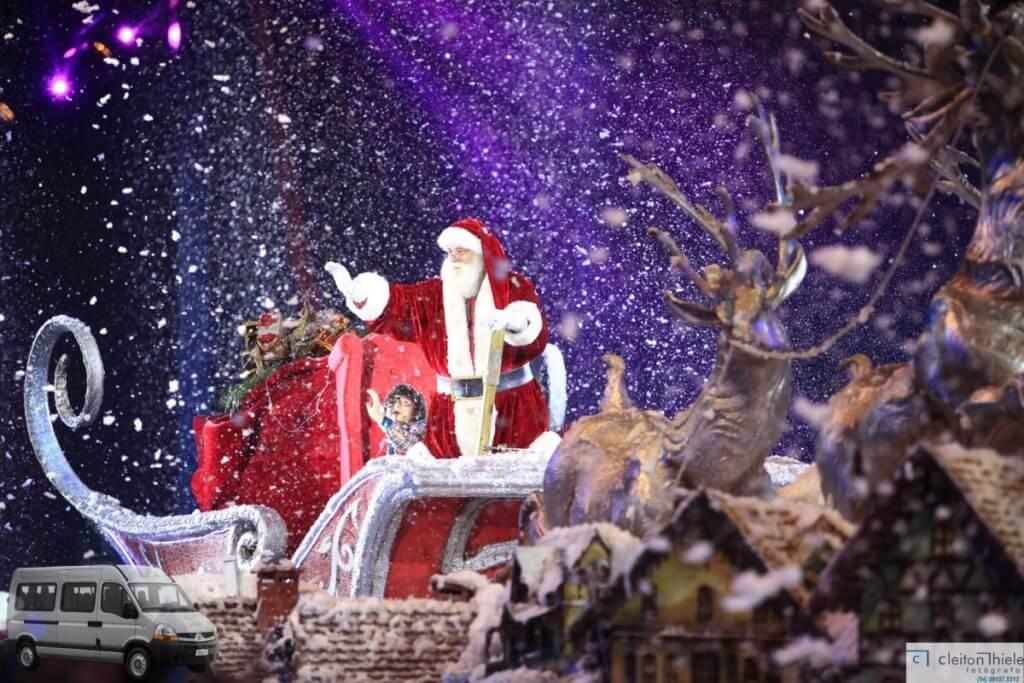 Toda a magia do Natal toma conta de Gramado