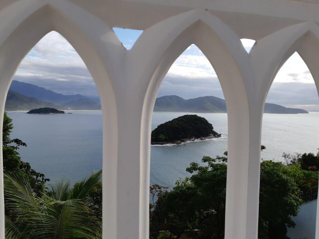 Através do mirante é possível observar algumas ilhas