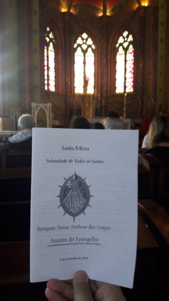 As missas acontecem somente aos domingos