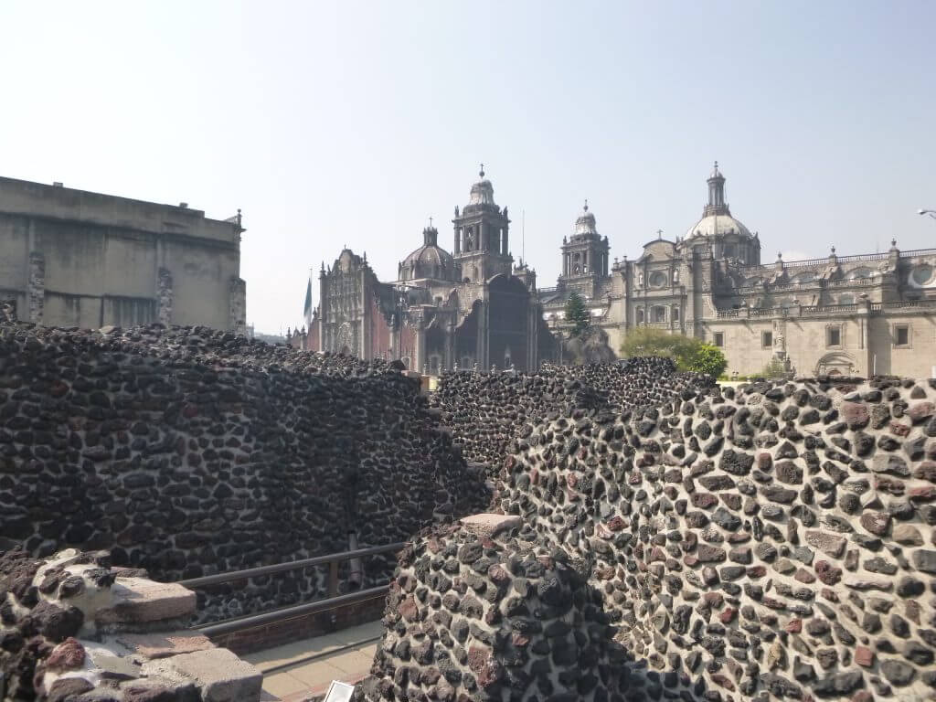 Ruínas pré hispânicas e Igrejas coloniais, assim é a Cidade do México