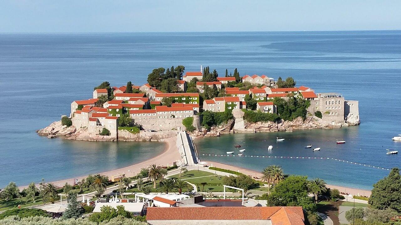 sveti-stefan-budva-montenegro