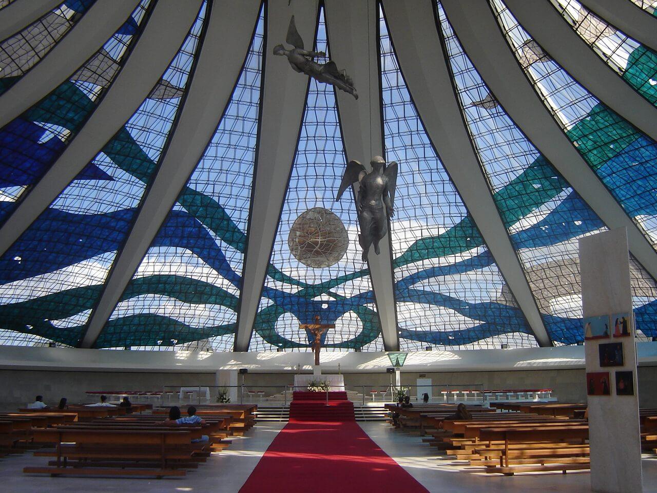 interior-catedral-brasilia