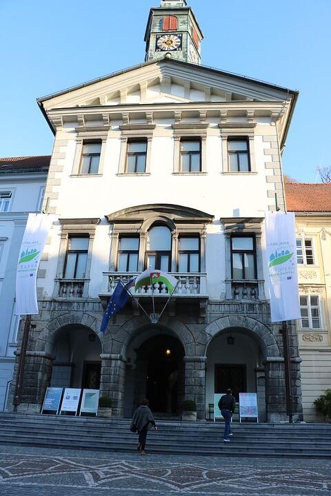 Mais um exemplo do Barroco na capital da Eslovênia