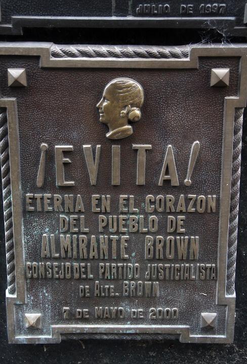 Lápide do Túmulo de Evita Perón
