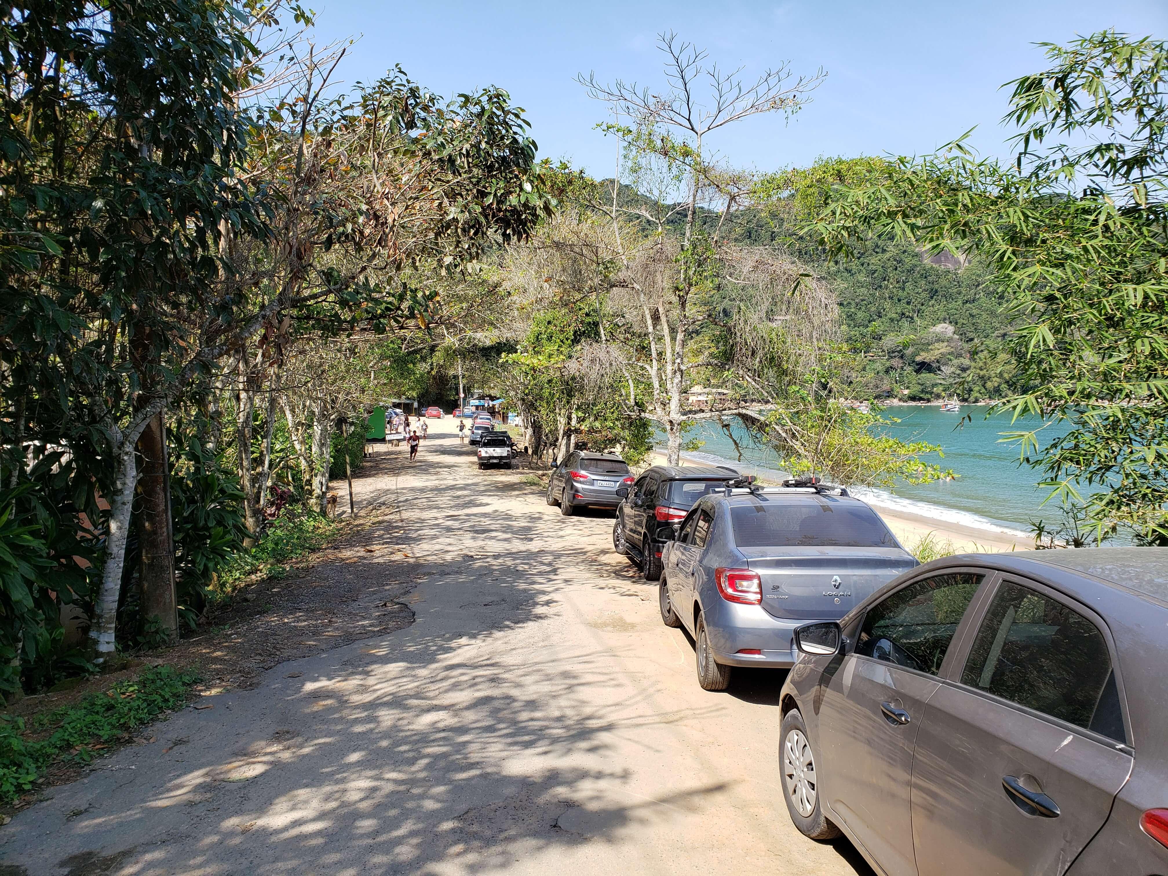 Estacionamento em Picinguaba