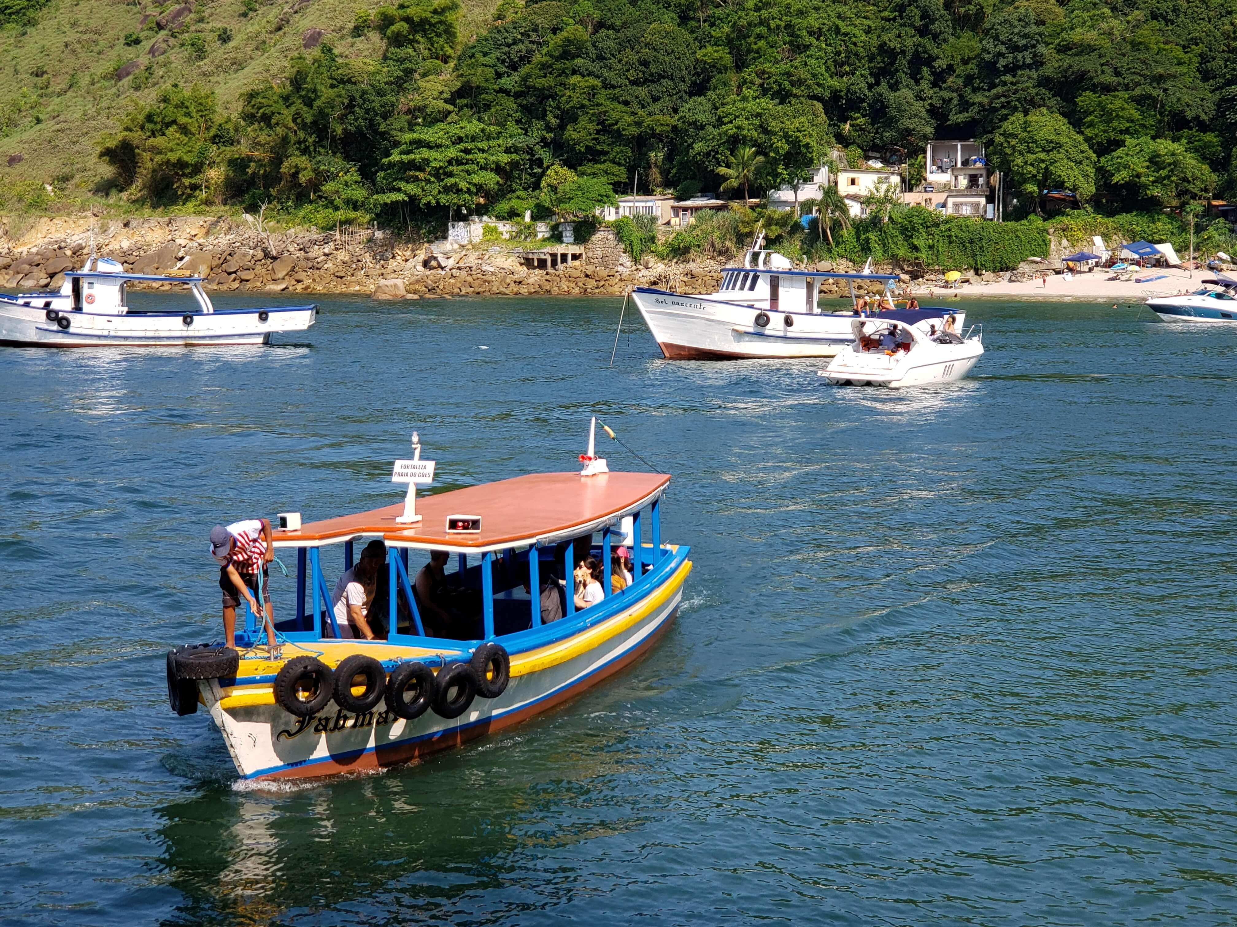 Barcos travessia